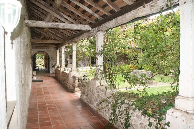 Klooster overdekt buiten